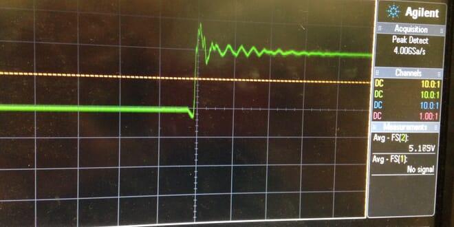 نوسانات لحظات کلیدزنی که راه حل آن استفاده از مدار اسنابر میباشد.